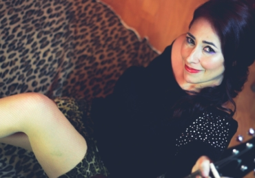 Jenny Bombo lanza nuevo sencillo