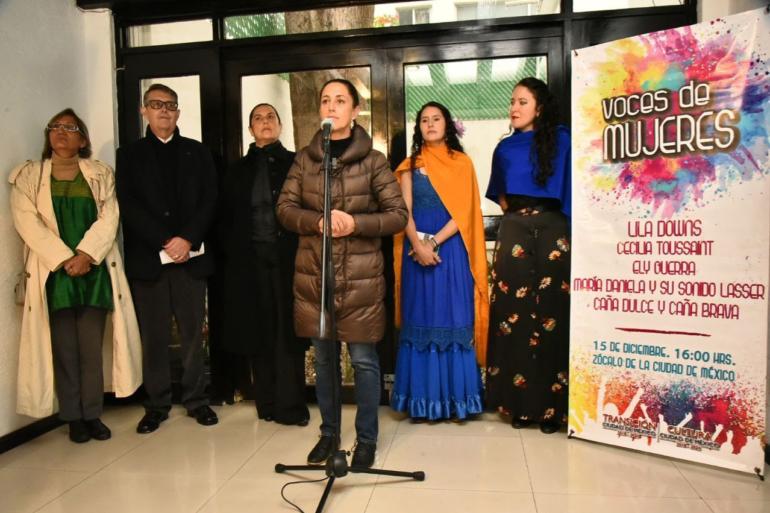 Anuncia Sheinbaum elenco de Voces de Mujeres en el Zócalo