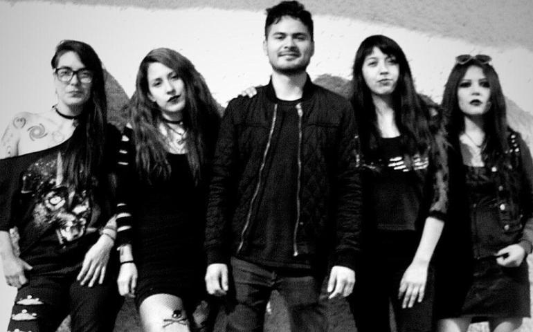 Detención arbitraria a Las Fokin Biches inspiró su nuevo sencillo «Puerkos»