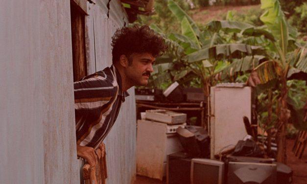 ALEX FERREIRA lanza el clip de «Como viene se va», extraído de su más reciente disco TANDA